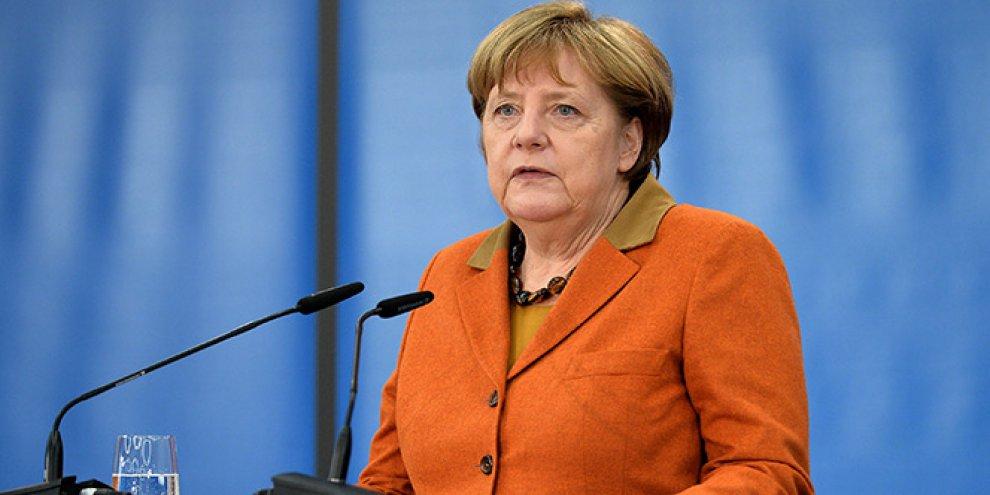 Almanya Başbakanı Merkel'in üçünü test sonuçları geldi