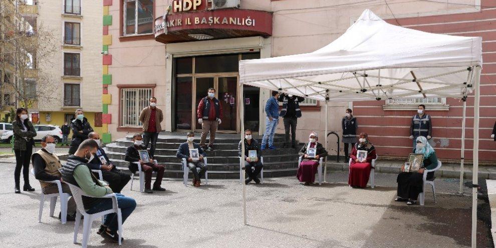 HDP önündeki ailelerin evlat nöbeti 216'ncı gününde