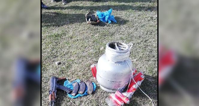 Terör örgütüne ait silah, mühimmat ve patlayıcı ele geçirildi