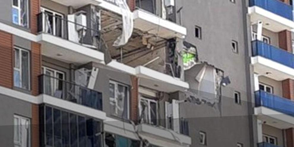 Esenyurt'ta binada patlama! Çok sayıda ambulans ve itfaiye olay yerinde