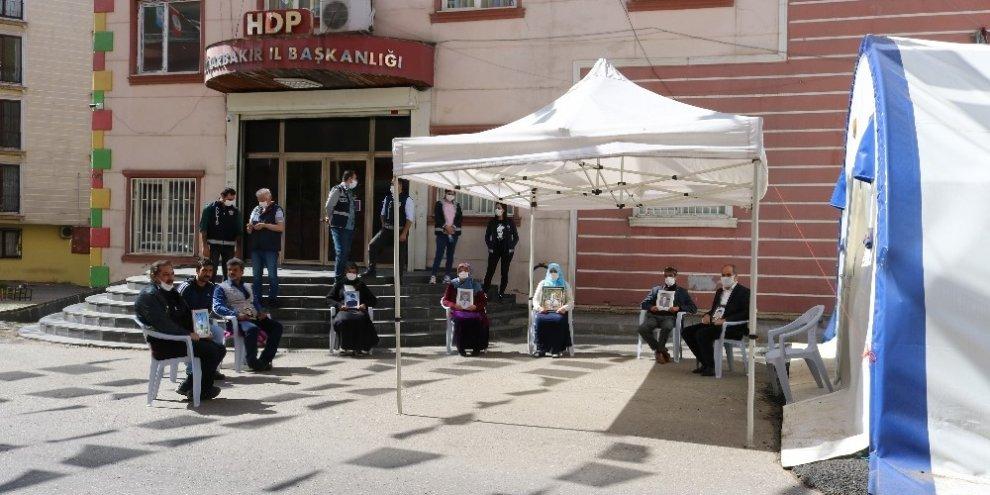 HDP önündeki ailelerin evlat nöbeti 228. gününde
