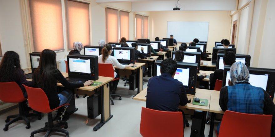 Üniversitemiz Bilgisayar Laboratuvarları, Tüm Üniversite Öğrencilerinin Kullanımına Açıldı