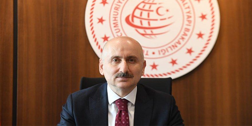 """Ulaştırma ve Altyapı Bakanı Adil Karaismailoğlu: """"Haziran'da kademeli olarak 40 ülkeye uçak seferlerini başlatmayı planlıyoruz."""""""