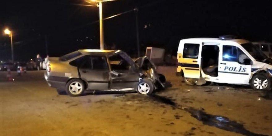 Kahramanmaraş'ta otomobil ile polis aracı çarpıştı