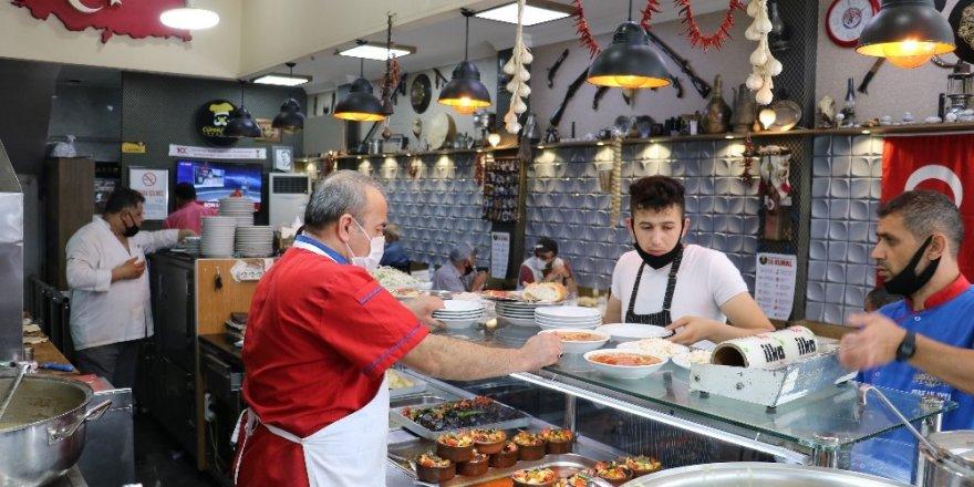 Tarihi lokantada 1 asırlık Maraş lezzetleri