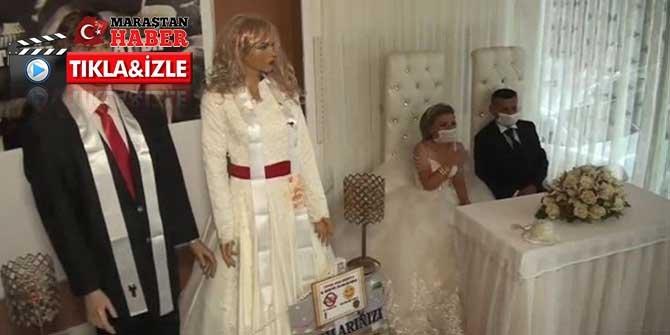 Koronavirüs, düğün takılarını maket mankenlere taktırdı