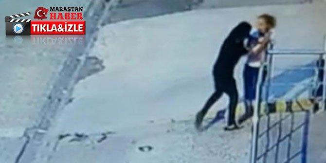 Kapkaççı kadının elindeki telefonu çaldı