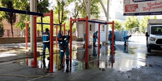 Dulkadiroğlu Belediyesi'nden Bayram Temizliği