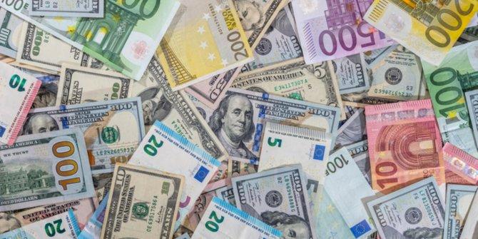 Dolar ve Euro'da yine rekor!