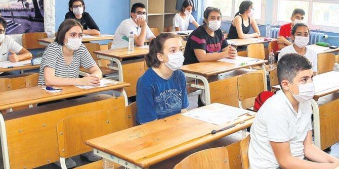 Çocuklar olası bir hastalık  belirtisinde okula gönderilmemeli