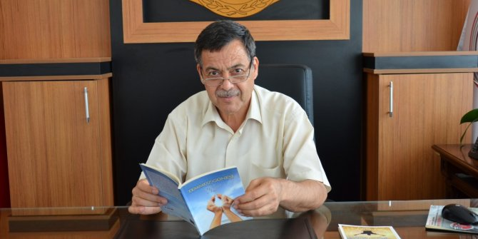 """Şair Mehmet Aksu: """"Edebiyat Yolu""""  huzura açılan bütün kapılara uğramalı"""