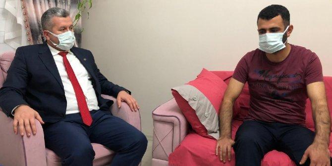 BBP Genel Başkan Yardımcısı Yardımcıoğlu, yaralı polis memurunu evinde ziyaret etti