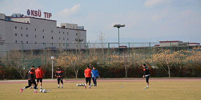 Kahramanmaraşspor, haftalık antrenmanını KSÜ Futbol Sahasında gerçekleştirdi