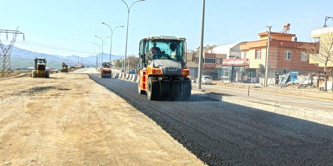Kahramanmaraş'taki kısakürek bulvarı asfaltlanıyor