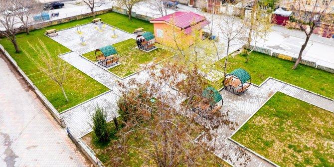 Dulkadiroğlu Belediyesi Namık Kemal Parkını yeniledi
