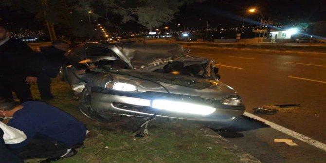 Kahramanmaraş'ta ağaca çarpan sürücü hayatını kaybetti