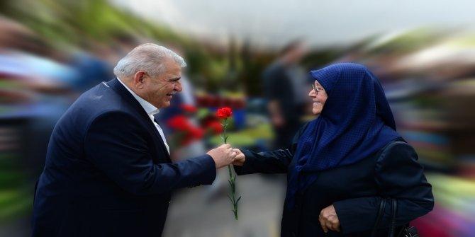 Başkan Mahçiçek: Sonsuz sevgi abideleri olan annelerimizin günü kutlu olsun