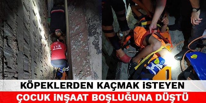 Kahramanmaraş'ta köpeklerden kaçmak isteyen çocuk inşaat boşluğuna düştü
