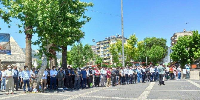 Kahramanmaraş'ta Kudüs için gıyabi cenaze namazı kılındı