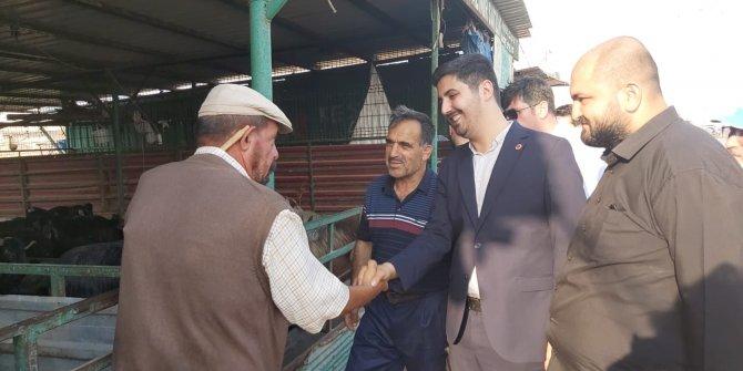 Saadet Partisi İl Başkanı Av.Ahmet Zor hayvan pazarını ziyaret etti