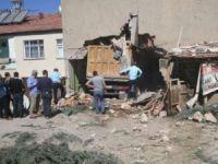 Freni patlayan kamyon eve daldı: 1 ölü, 6 yaralı