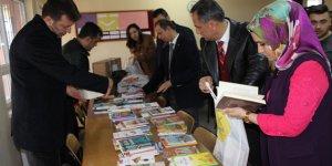 KSÜ'den Helete Düzbağ Ortaokuluna Kitap ve Spor Malzemesi Yardımı