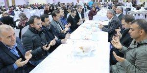 Pazarcıkta yüzlerce kişi Mehmetçik için toplandı