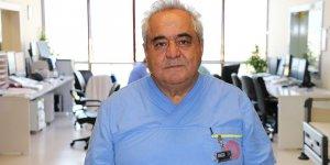 Prof. Dr. Özgül'den damar tıkanıklığını açmanın inceliklerini öğretiyor