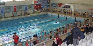 """""""Yüzme bilmeyen kalmasın"""" projesi Kahramanmaraş'ta başladı"""