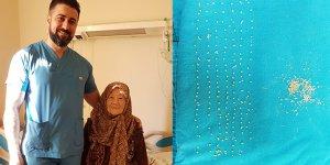 94 yaşındaki hastanın safra kesesinden 200 adet taş çıkarıldı