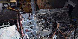 Bodrum'da yılbaşı süslemesi yapan vinç devrildi: 1 ölü, 3 yaralı