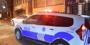 Fatih'te kar maskeli 3 kişi kasa soydu
