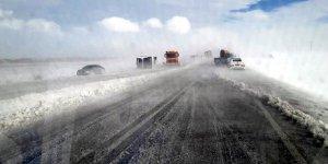 Kayseri'de yolcu otobüsü devrildi: 14 yaralı