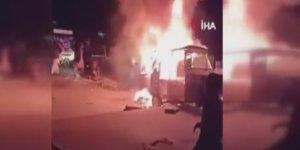 Pakistan'da minibüs yangını: 6 ölü, 5 yaralı