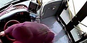 Özel halk otobüslerinin kabusu olan hırsız kamerada