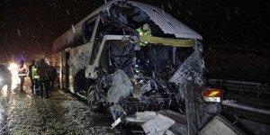 Samsun'da yolcu otobüsü kamyonla çarpıştı: 1 ölü, 1 yaralı
