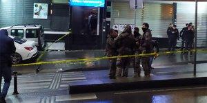 Türkü evine kurşun yağdırdı: Çok sayıda yaralı var