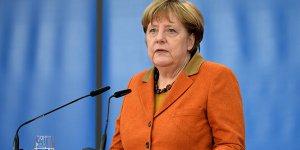 Angele Merkel kendini karantina altına aldı!