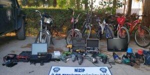 Hırsızlık şüphelisi 2 kişi yakalandı