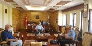 Eğitimci-Yazar Vakkasoğlu ve İşadamı Serdar Temiz,   Rektör,Prof. Dr. Niyazi Can'ı Ziyaret Etti