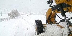 Kahramanmaraş'ta karla mücadelede aralıksız mesai