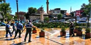 Kahramanmaraş kent meydanında bayram temizliği