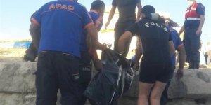 Baraj gölünde kadın cesedi bulundu