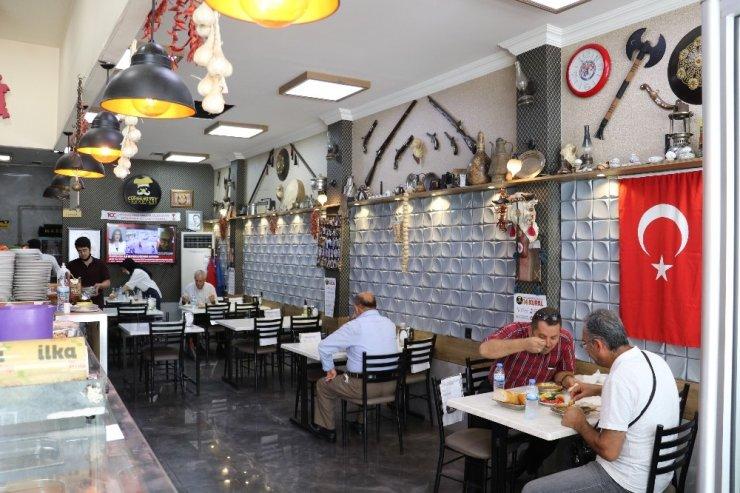Tarihi lokantada 1 asırlık lezzetler