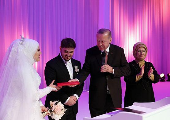 cumhurbaskani-erdogan,-mahir-unal'in-kizinin-nikah-torenine-katildi1.jpg
