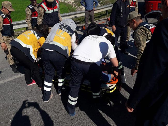 kahramanmarasta-yeni-dogan-bebegi-tasiyan-ambulans-kaza-yapti!2.jpg