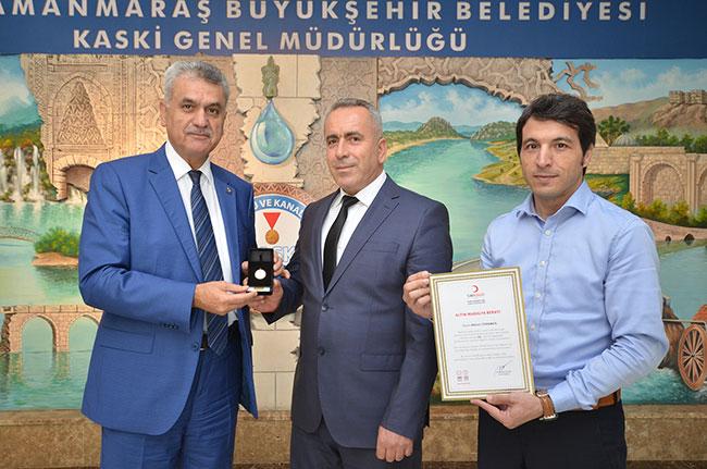 kaski-personeli-mikail-turkmen'e-kizilay'dan-altin-madalya.jpg