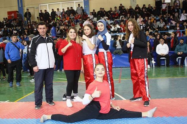 kick-boks-turkiye-sampiyonasi-afsin'de-yapildi2.jpg