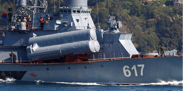 rus-savas-gemisi-istanbul-bogazindan-kamuflajla-gecti-h1475843254-3eaeaf.jpeg
