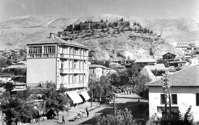 tarihi-maras-kalesi-eski-goruntusune-kavusuyor1.jpg